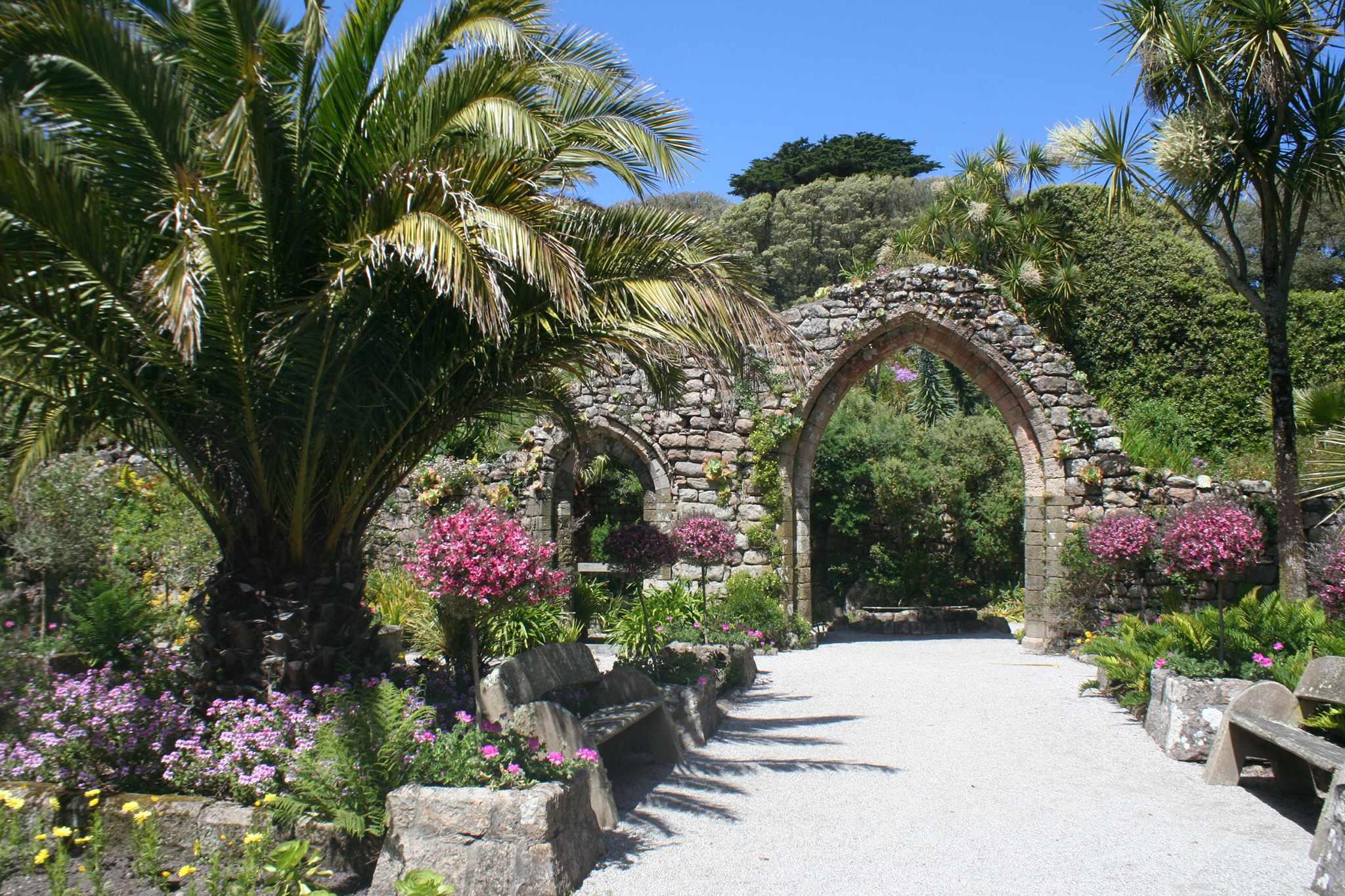 Connoisseur Travel - Tresco Abbey