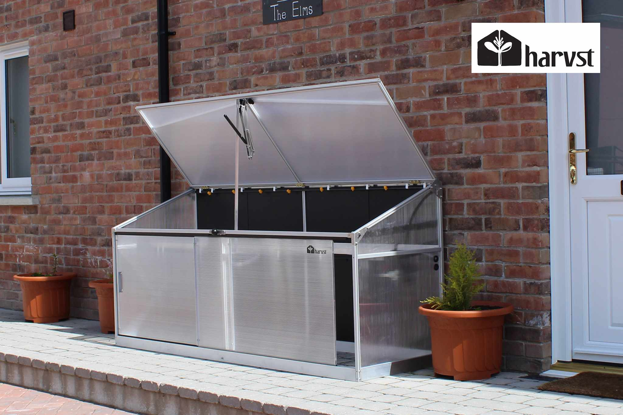 Win a mini greenhouse from Harvst