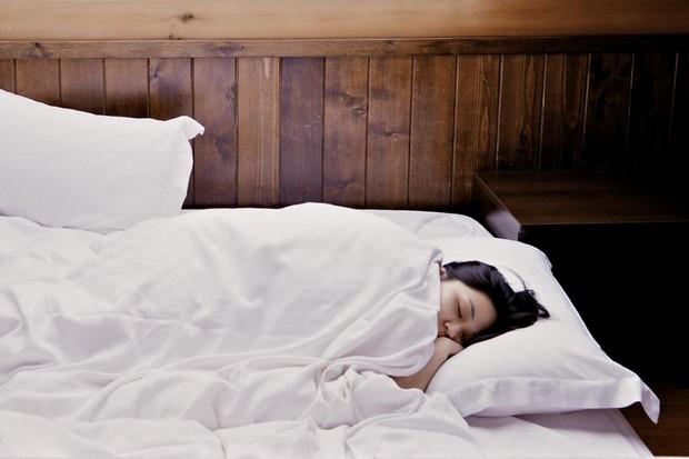 How much sleep do you really need (photo by Nomao Saeki)