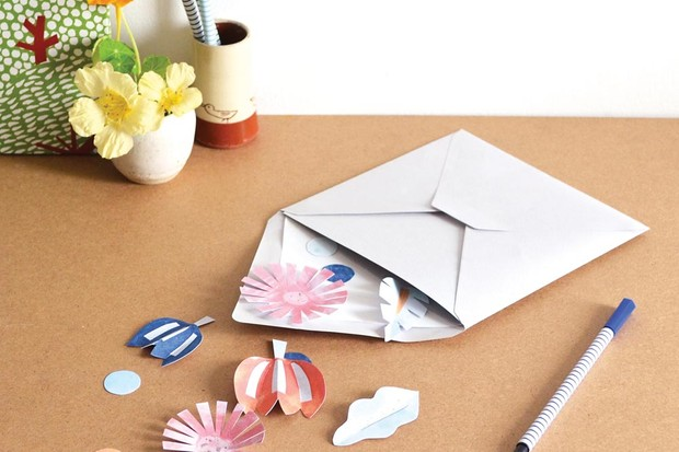 Paper cut-out flowers designed by Anna Alicia