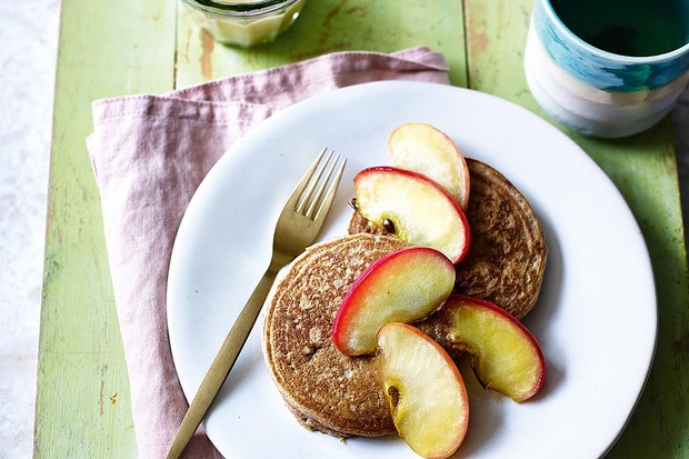 Caramel apple pancakes recipe