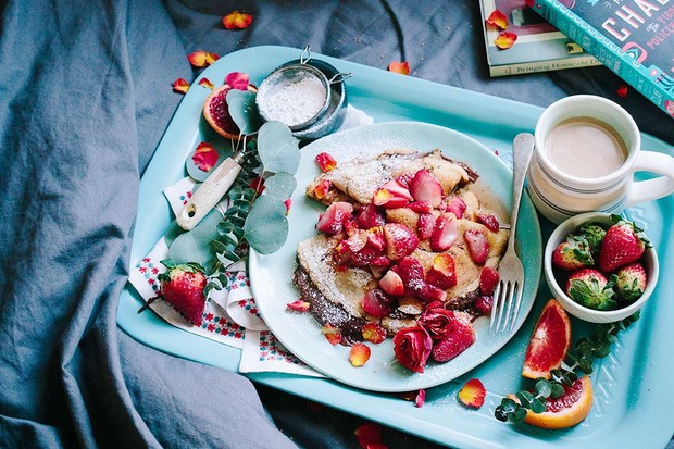 Pancakes sprinkled with rose petals