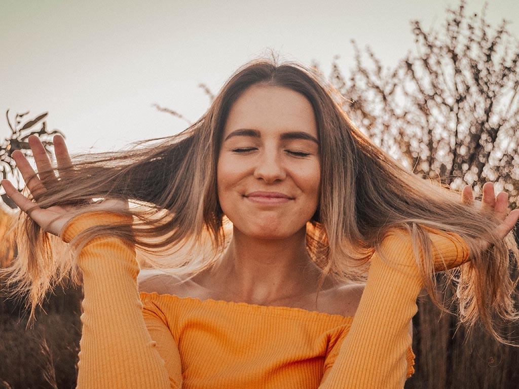 Smiling woman by Hean Prinsloo