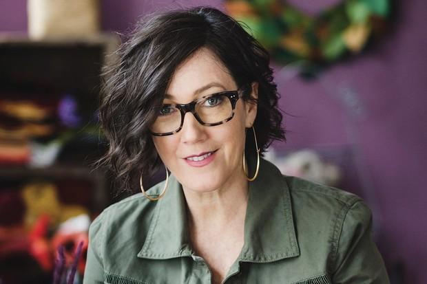 Lia Griffith, paper artist