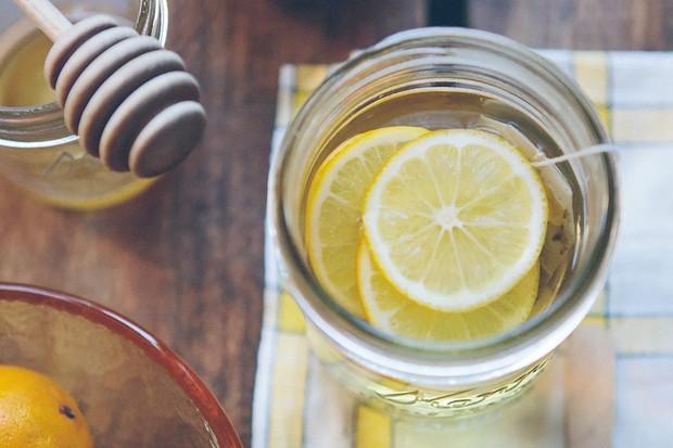 Honey lemon and ginger tea