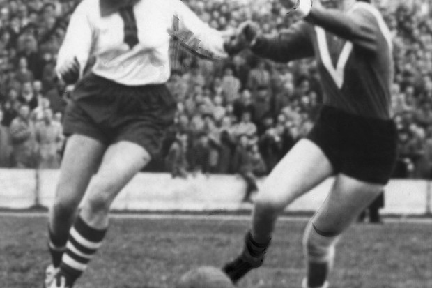 Sport, football, women: International match Germany - Holland in munich 4:2 match scene , Miss Rimscheid (germany, l). 17.march 1957