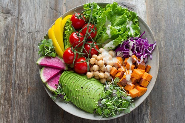 Vegan bowl photo by Anna Pelzer