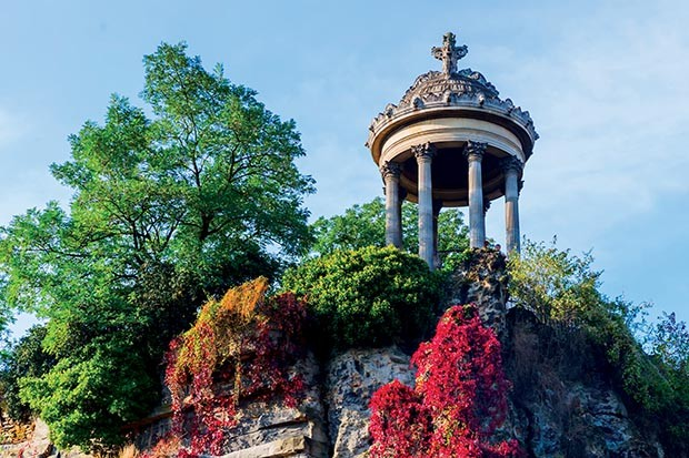 Parc de Buttes Chaumont in Paris