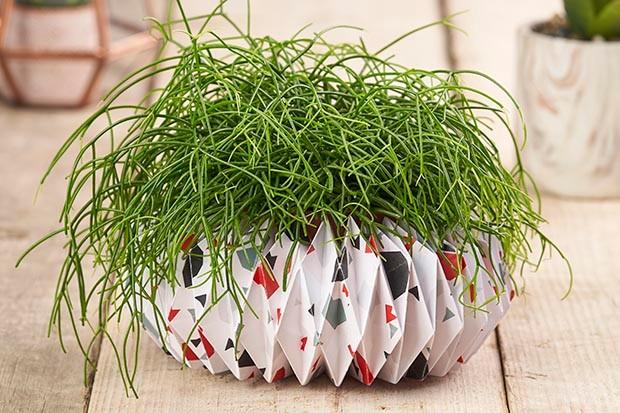 Terrazzo origami pot holder