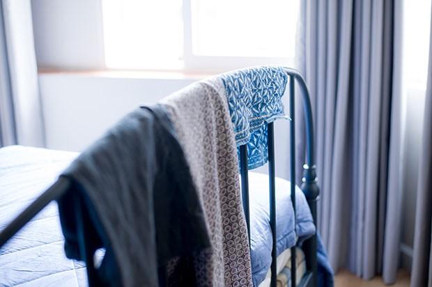 bed-frame-kaori-aoshim-g9WTw8_lTBw-unsplash