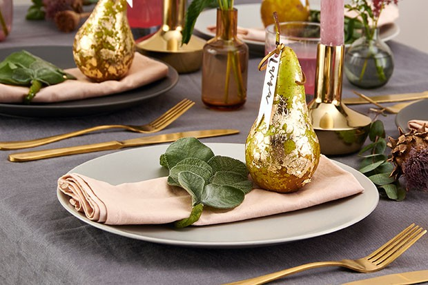 How to make a golden pear place setting