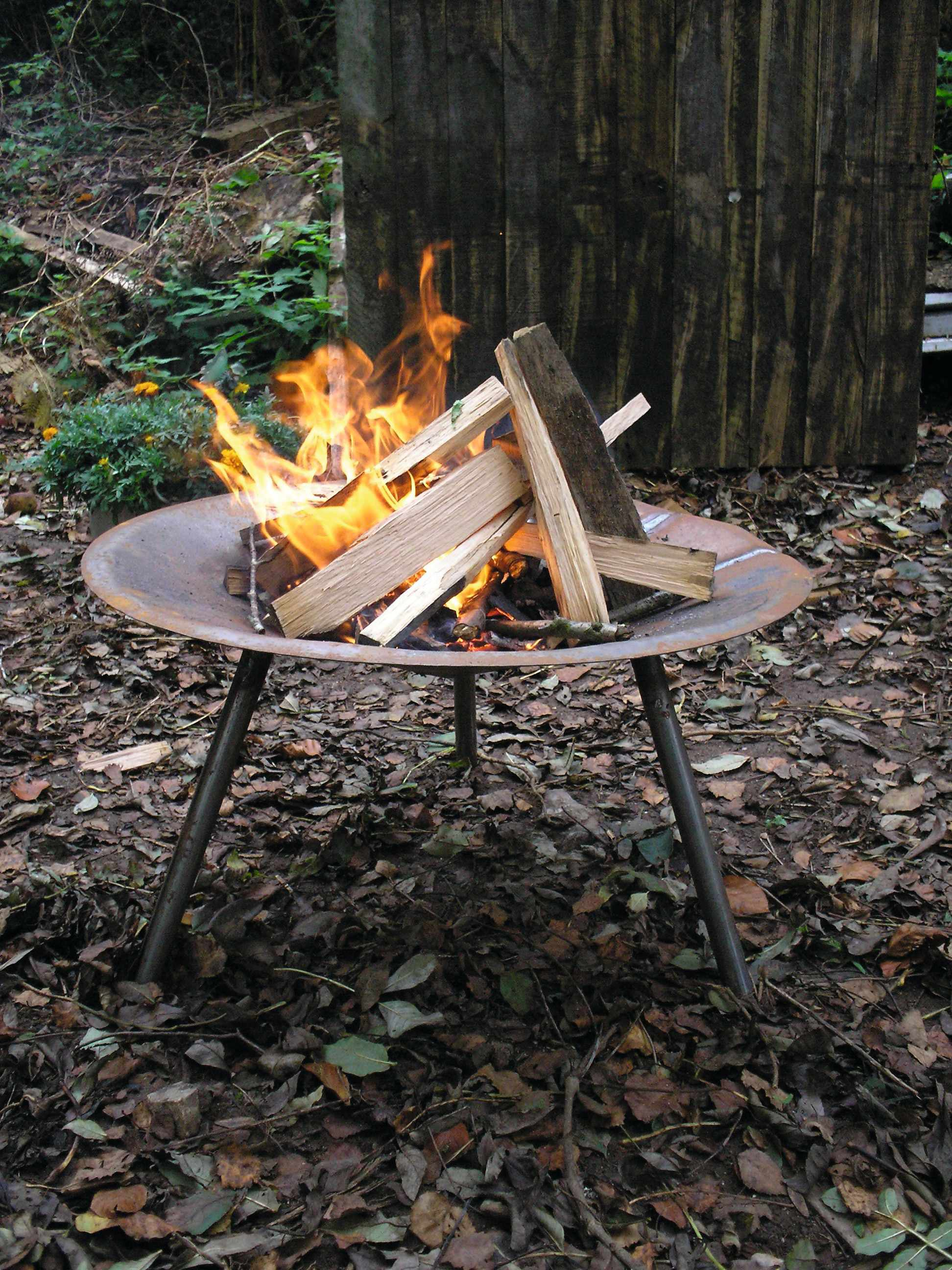 Easily transportable firepit
