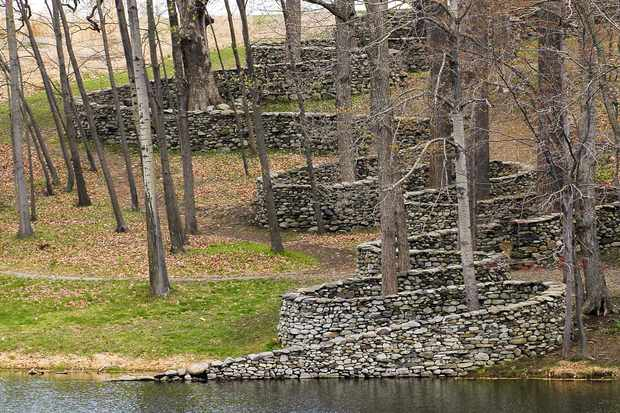 Andy Goldsworthy, Storm King Wall, 1997-1998, at Storm King Art Center