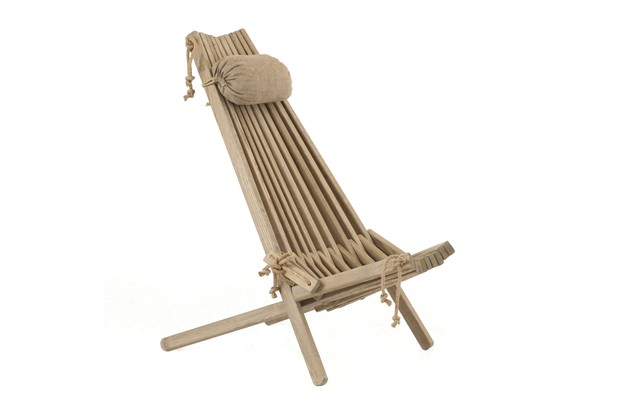 A simple deck chair in a striking design made from wood and hemp rope, complete with headrest.