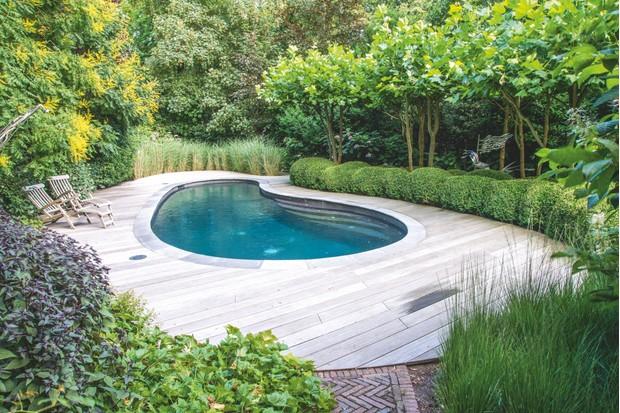 Bart Hoes pool garden. Photo by Maayke De Ridder