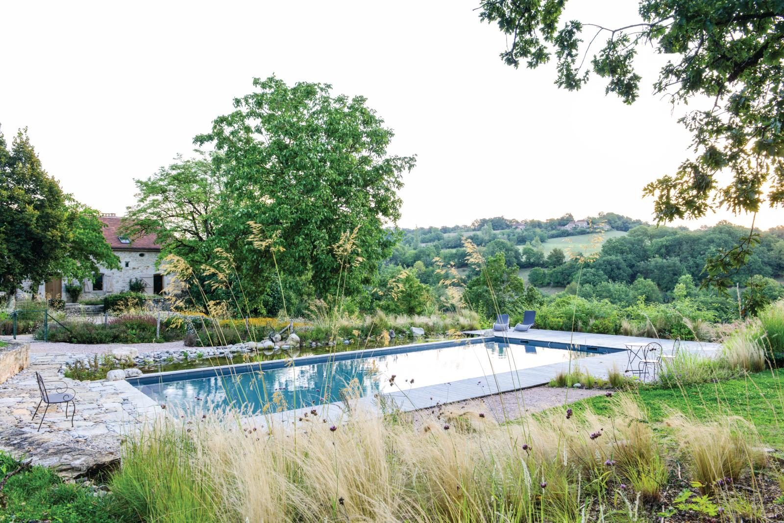 Design ideas for ponds and pools in the garden gardens illustrated