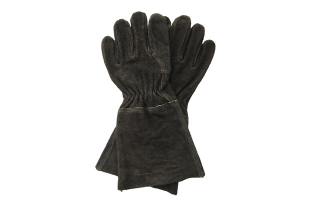 Gauntlet Gloves in black