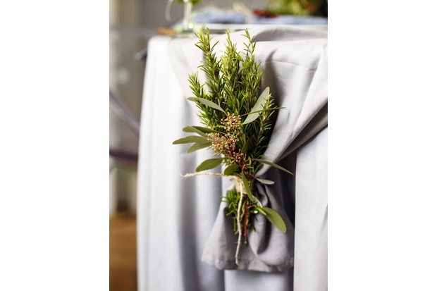 Christmas table runner weight