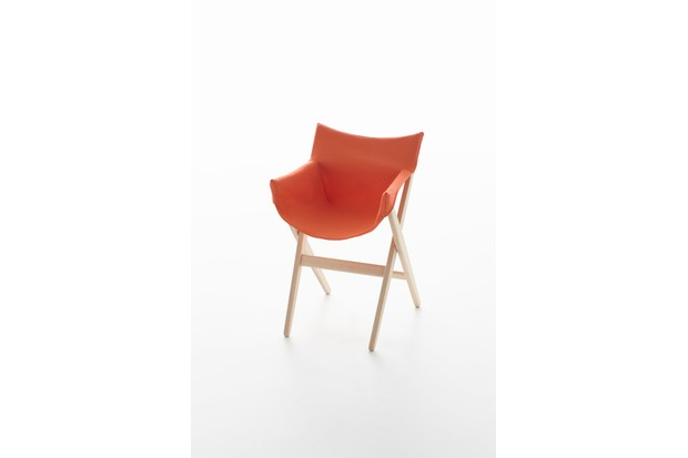Fionda stacking outdoor chair by Jasper Morrison for Mattiazzi