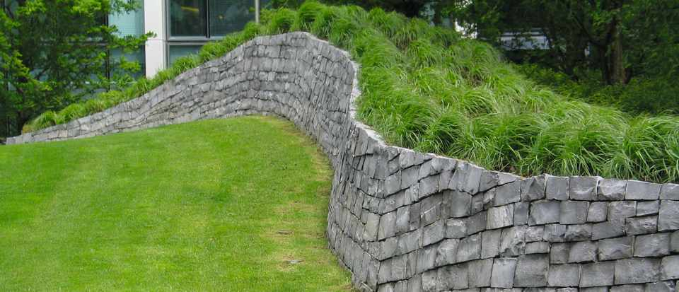 Design solutions: Retaining walls and plantable structures ...