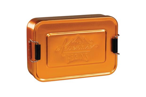 4000x4000fitGents_MetalLunchTinGold_GEN027_LO_preview