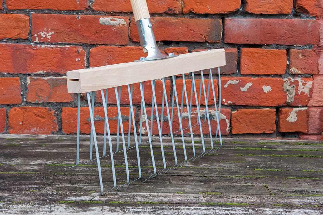 Double action garden rakes