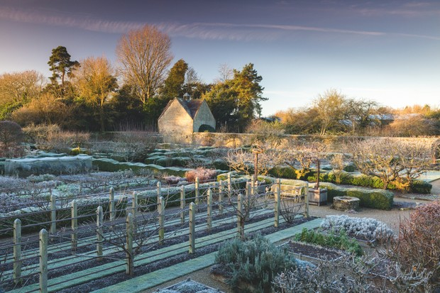 Walled garden designed by Arne Maynard. c. Richard Bloom