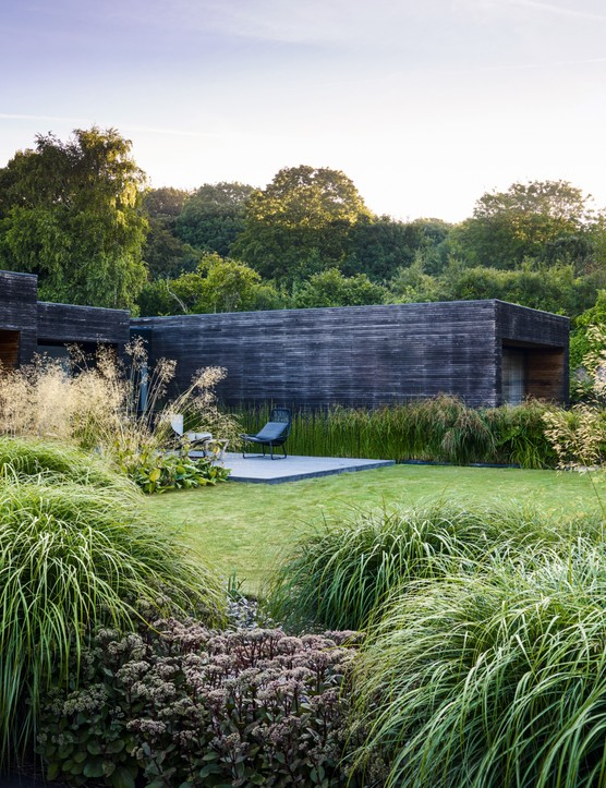 Helen Elks-Smith's garden design in Hampshire