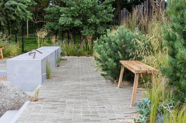 Caledonian Coastal garden, designed by Aidan Cifelli