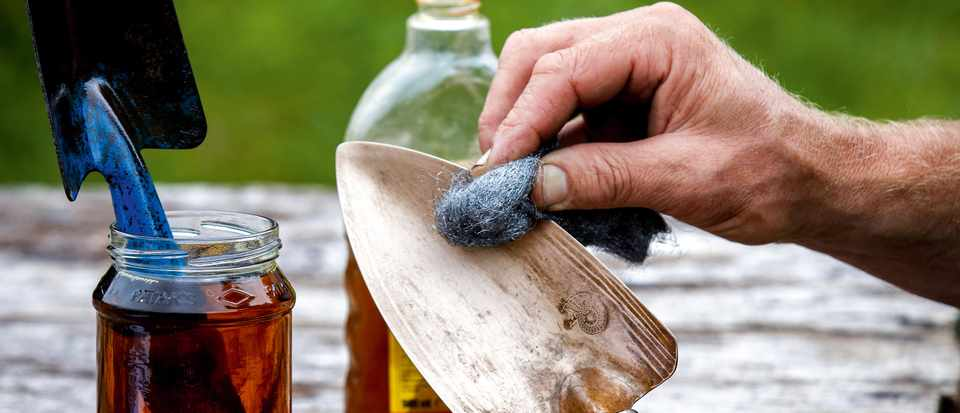 Clean your rusty tools with wire wool