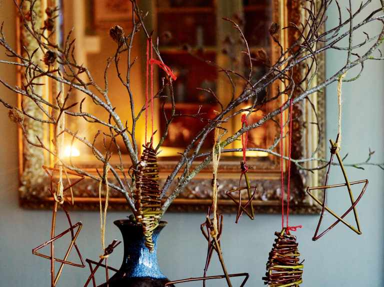 Make your own hanging willow Christmas decorations