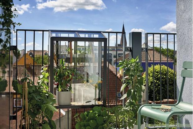Juliana Balcony Greenhouse