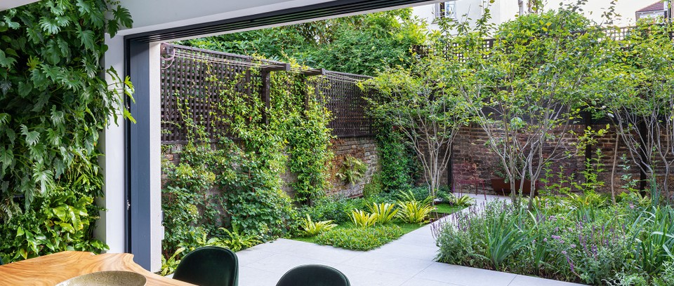 An Urban Garden A Small West London Garden Designed By Adolfo