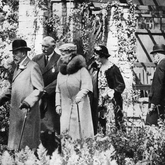 1930s: King George V and Queen Mary at the Chelsea Flower Show,