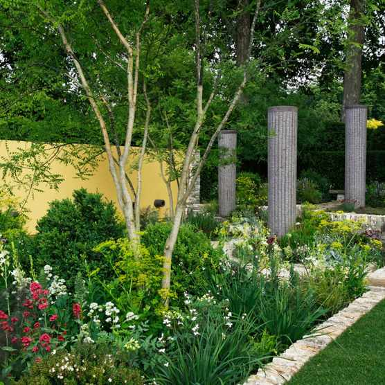 2011: the Telegraph Garden at RHS Chelsea Flower Show. Designed by Cleve West