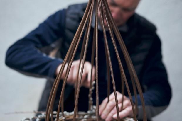 Joe Hogan weaving his baskets