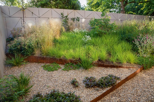 Jane Brockbank's gravel garden