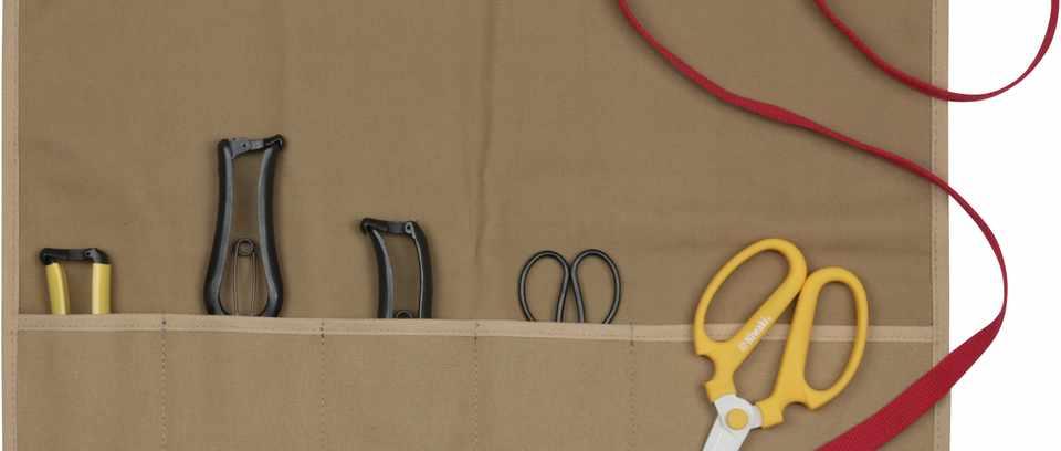 Gardening gifts: Niwaki Tool Roll