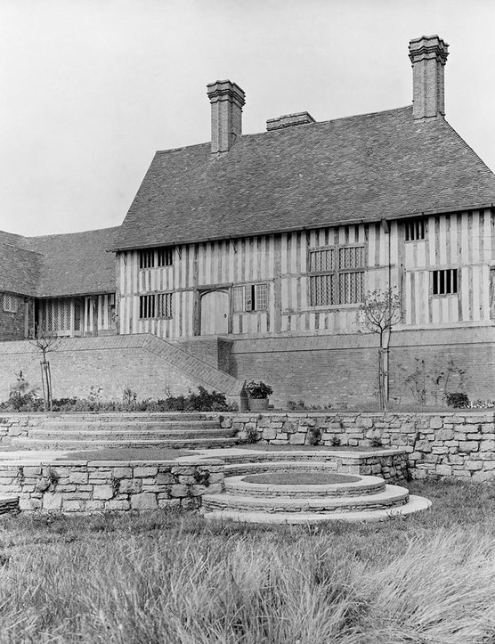 Great Dixter's curving circles of steps, here seen in 1913, were a trademark of the architect Edwin Lutyens, who remodelled the house for Christopher's father.