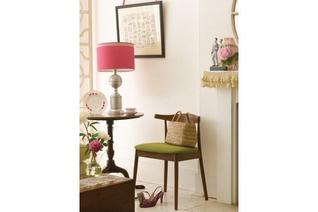 Discovering Antiques - LaceStylist Charis White BBC Homes & Antiques Commissioned - ALL RIGHTS