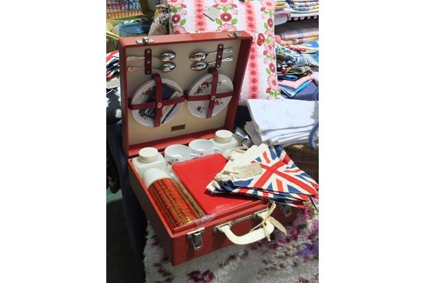 A Brexton picnic set