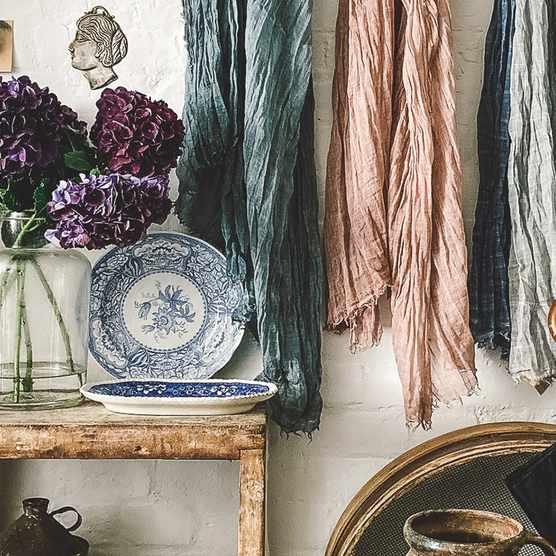 The best ateliers & antiques shops online