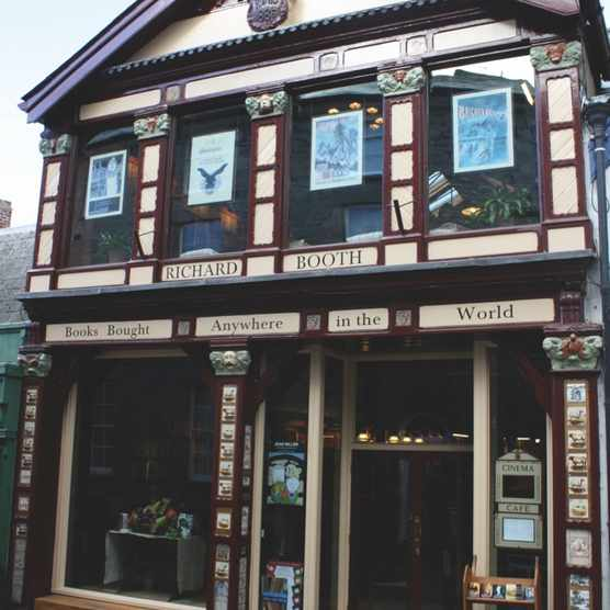 The exterior of the 'Richard Booth's bookshop'