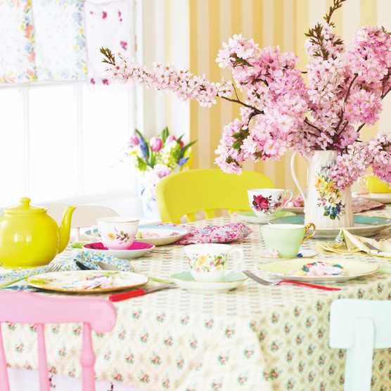 How to throw a vintage Mother's Day tea. Photography: Sussie Bell