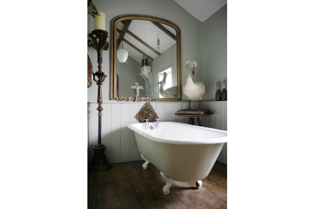 claw-footed freestanding Victorian bath