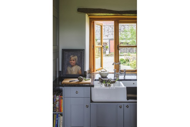 An image of a kitchen