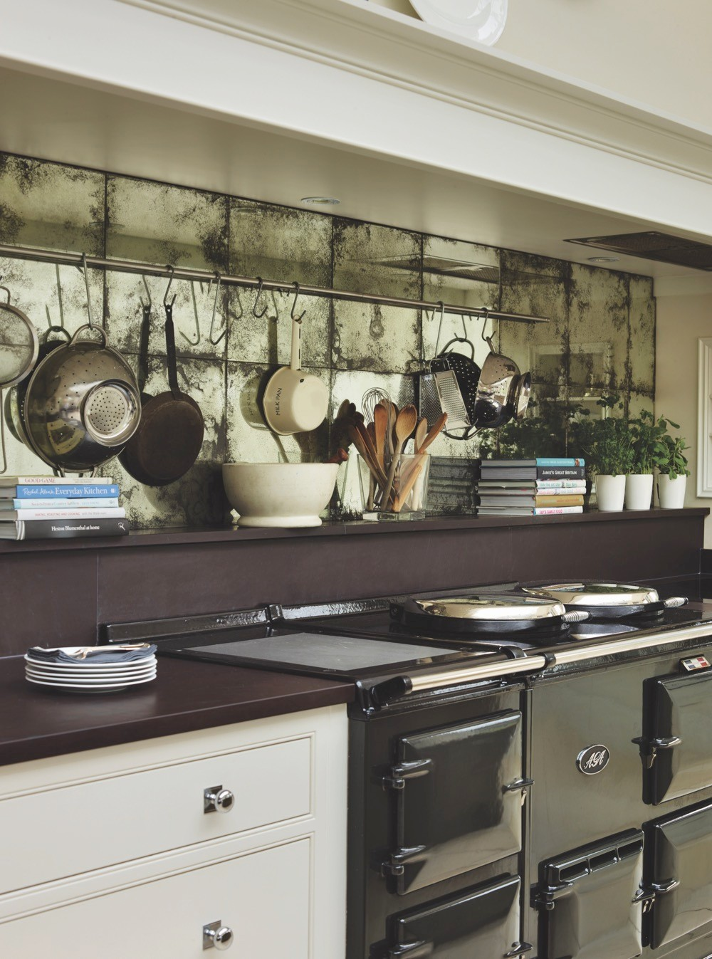 'New Classic' and 'English' kitchen collections by Martin Moore