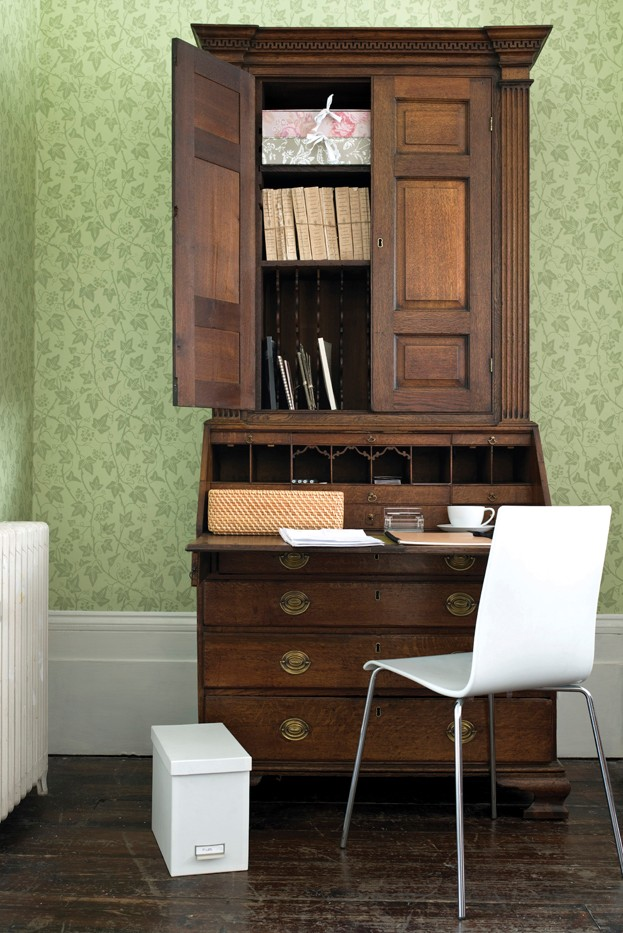 Lifestyle shot of a Georgian Cabinet