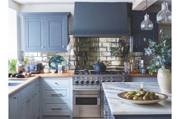 Lizzie Gordon's kitchen
