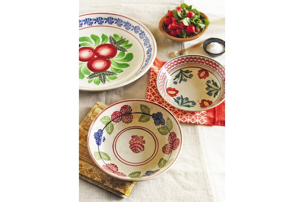 Spongeware plates and bowls